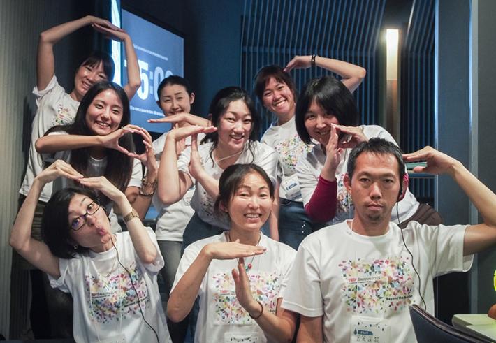 TEDxSapporo OTP チーム。創造性を発揮し、翻訳が難しい日本語を英語のアクロニムに置き換えて翻訳することも。写真:石山彩奈さん提供